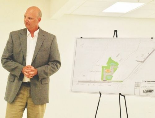 7-11 presentation, first reading of contractor license ordinance held at Blades Council meeting